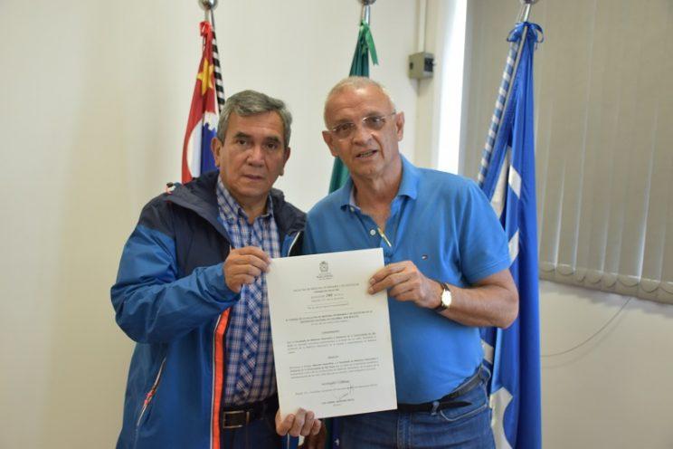 José Vizentin recebe certificado de Menção Honrosa da Universidad Nacional de Colombia